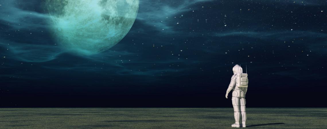 Astronaut_Moon_1140x450
