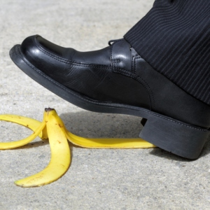 slip-and-fall-on-bananas-300